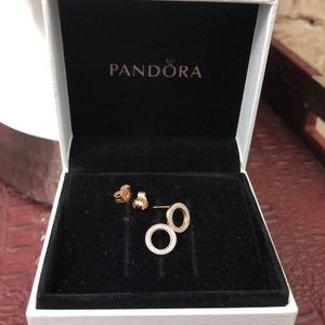 PANDORA | Forever 🌹Rose gold🌹stud earrings w/CZ